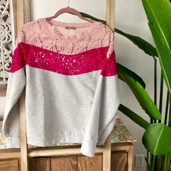 🌸Beautiful lace & fabric sweater in pink&fuschia